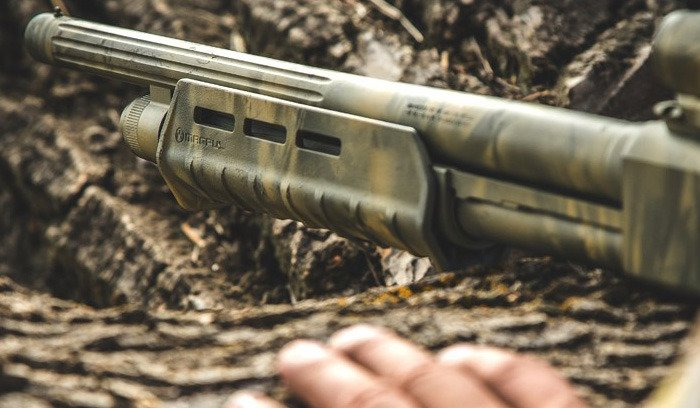 Magpul - MOE® M-LOK® Forend for Mossberg® 590/590A1 - Flat Dark Earth -  MAG494 FDE