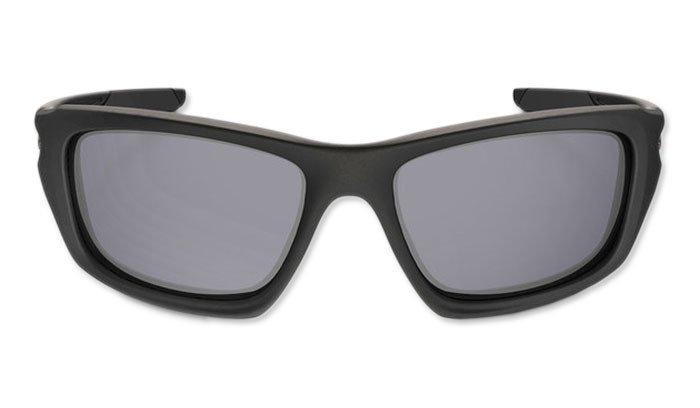 c2f8495b2ec ... Oakley - SI Valve Matte Black Sunglasses - Grey Polarized - OO9236-09  ...